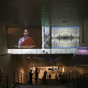 migration-stories_-video-projection-mapping-at-portal-to-metro-station_-lasser_hobbs-with-srishti-studentsmg_3031
